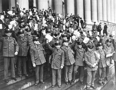 picture of New York City postmen